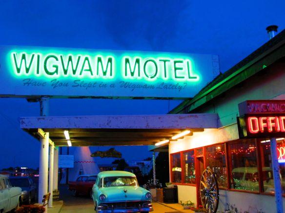 wigwam motel neon sign route 66
