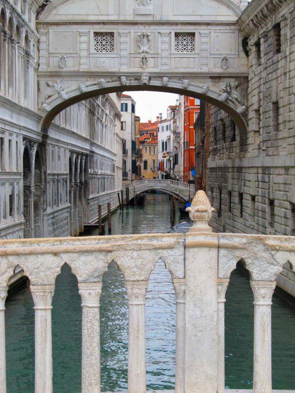 bridge of sighs in venice italy in winter