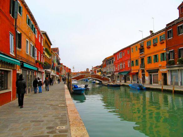Shopping for art glass on Murano